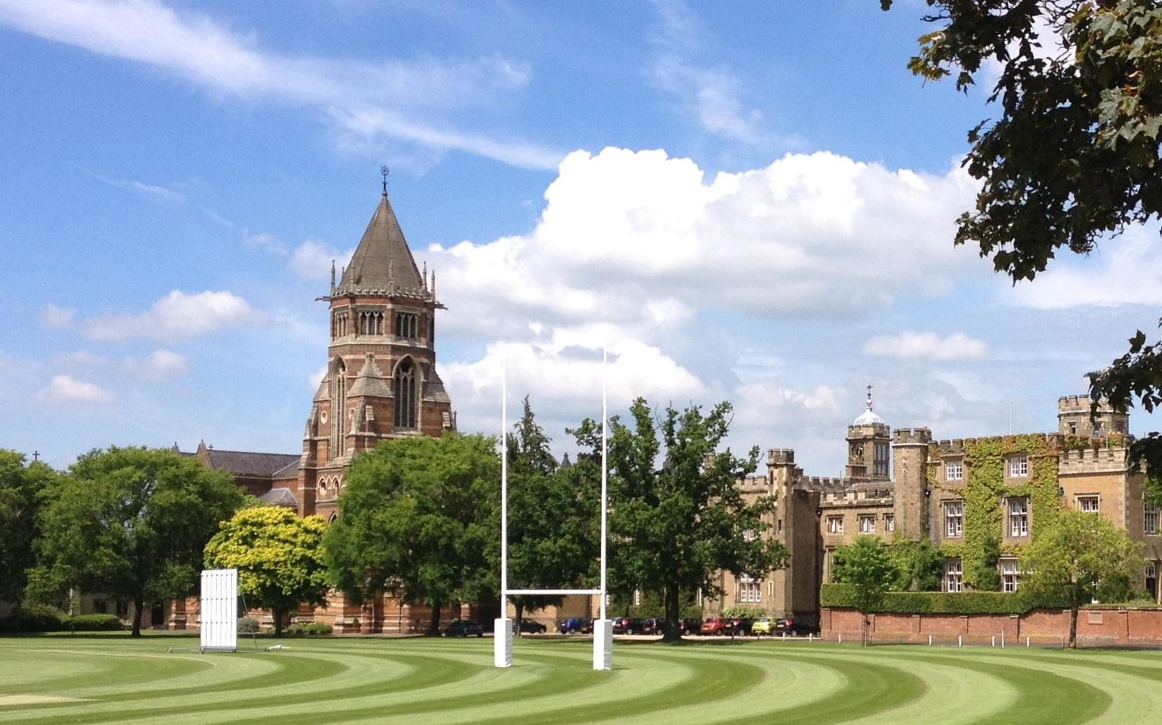 5 лучших способов провести лето в топ-школе Англии