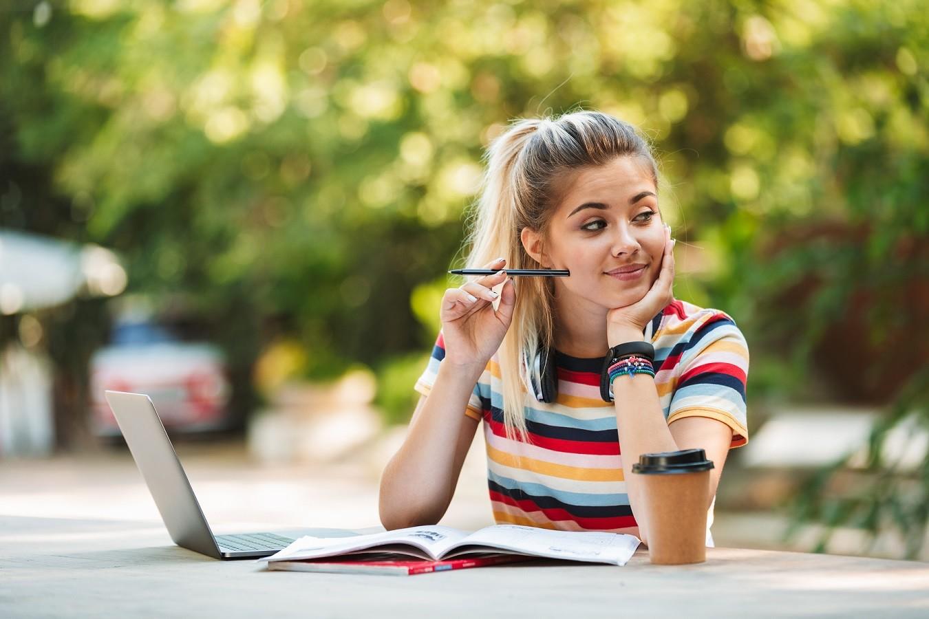 Языковая школа или лагерь: что выбрать на лето?