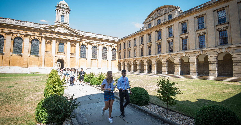 Лето в Oxford Royale Academy:  маленькая жизнь и большой шаг в будущее