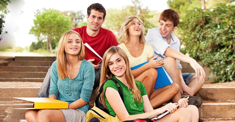 5 летних программ, которые подготовят подростка к университету