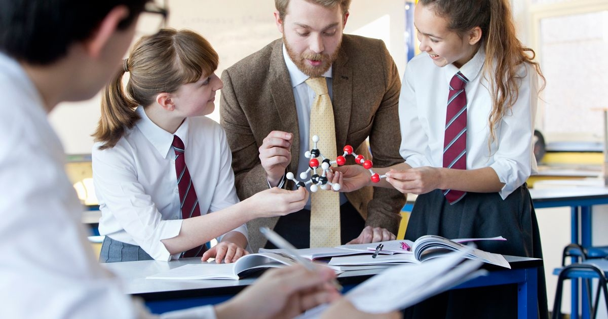 Как школа помогает выбрать профессию