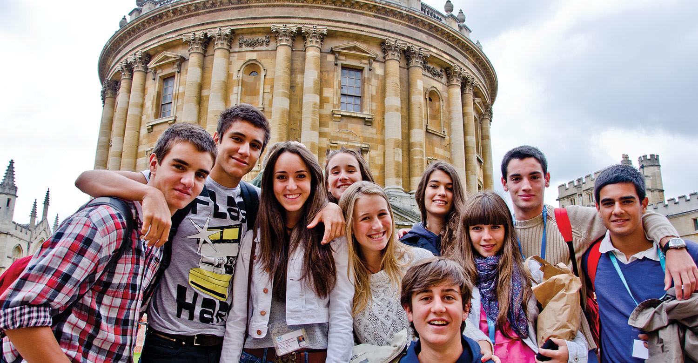 10 летних программ, на которых не будет мест уже в конце ноября