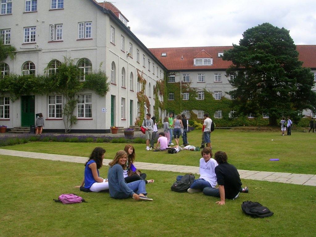 Downe House: путешествие + английский язык