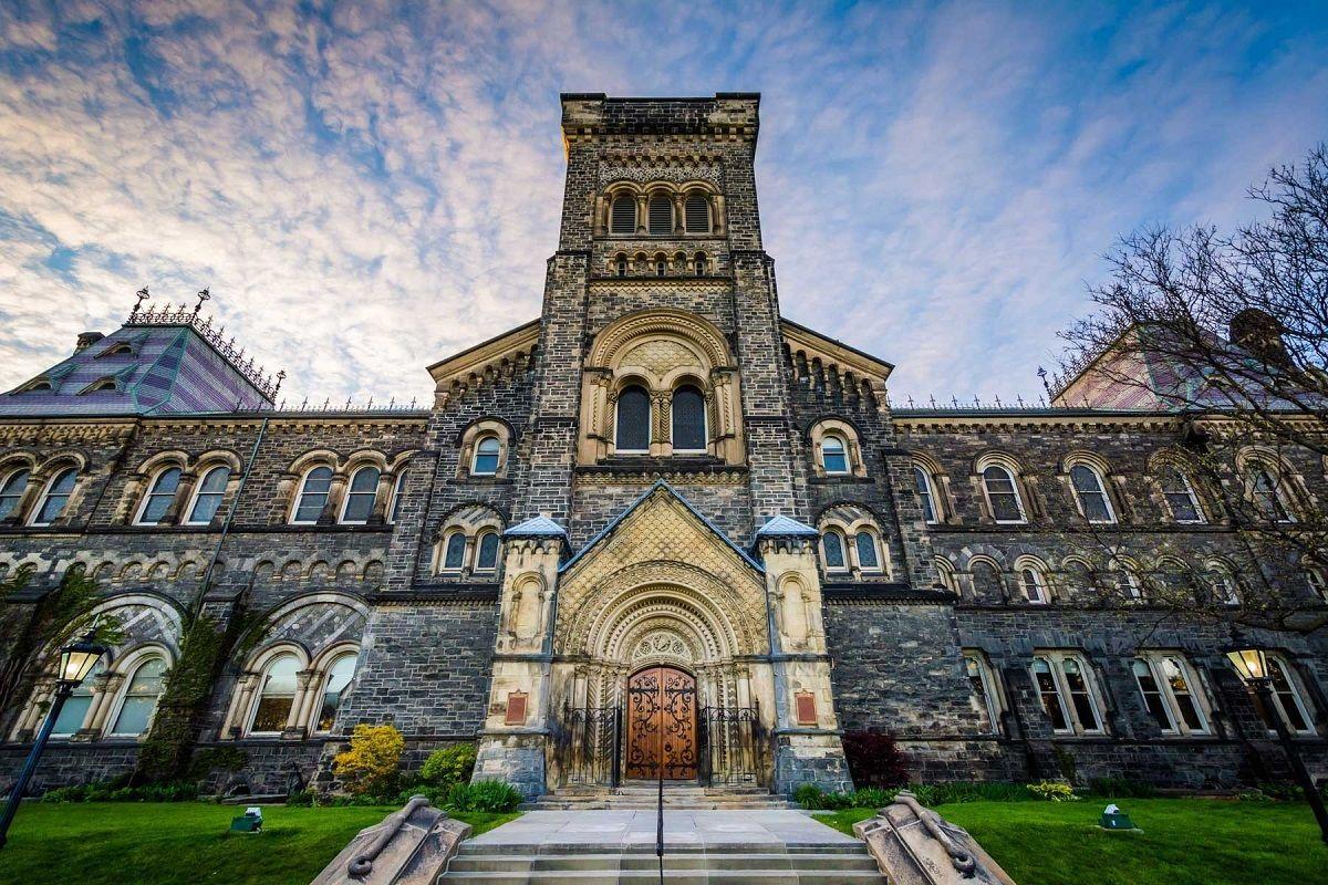 University of Toronto: за американским английским в Канаду