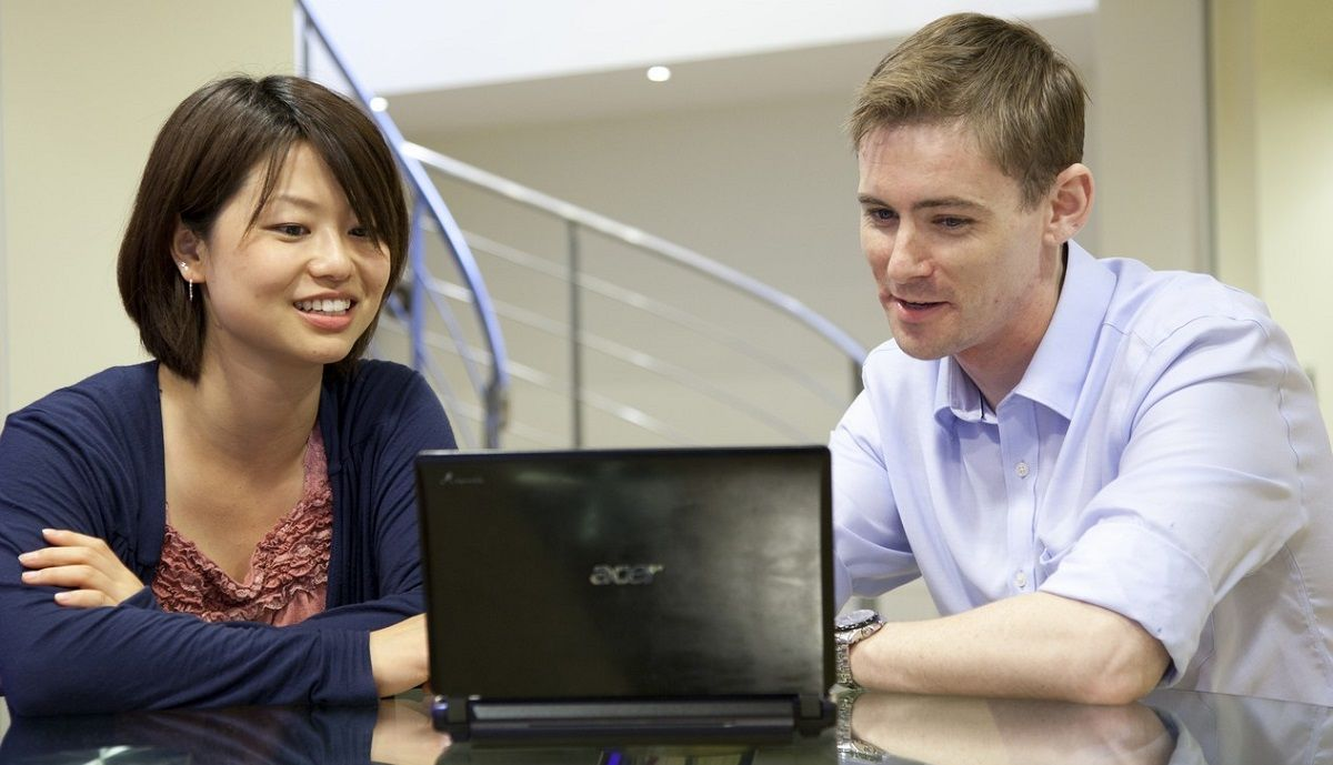 OISE London: Комбинированный курс, индивидуальная курс, занятия в минигруппе, специализированный английский