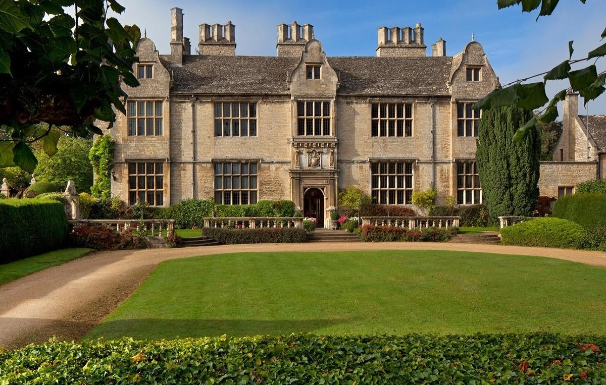 Oxford Academy: Введение в моду и текстильный дизайн