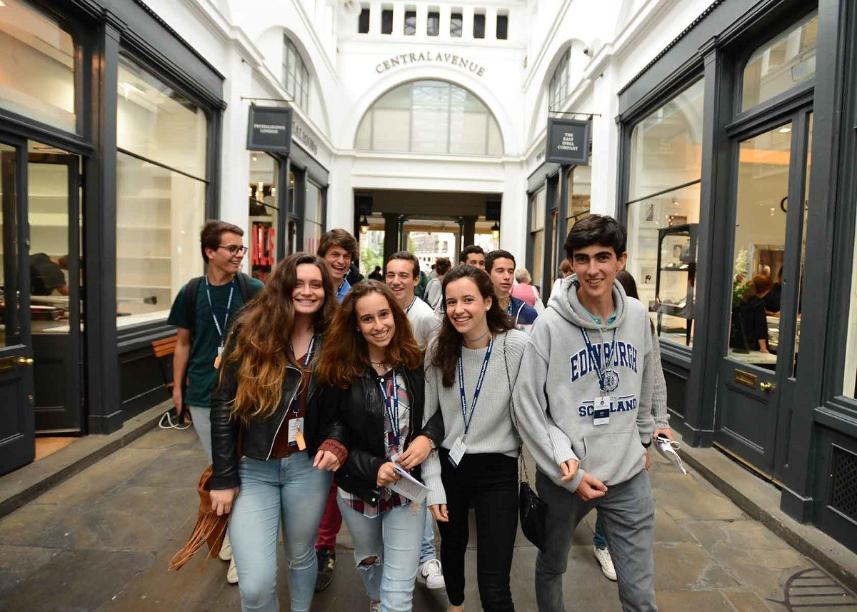 Oxford Royale Academy: Введение в робототехнику