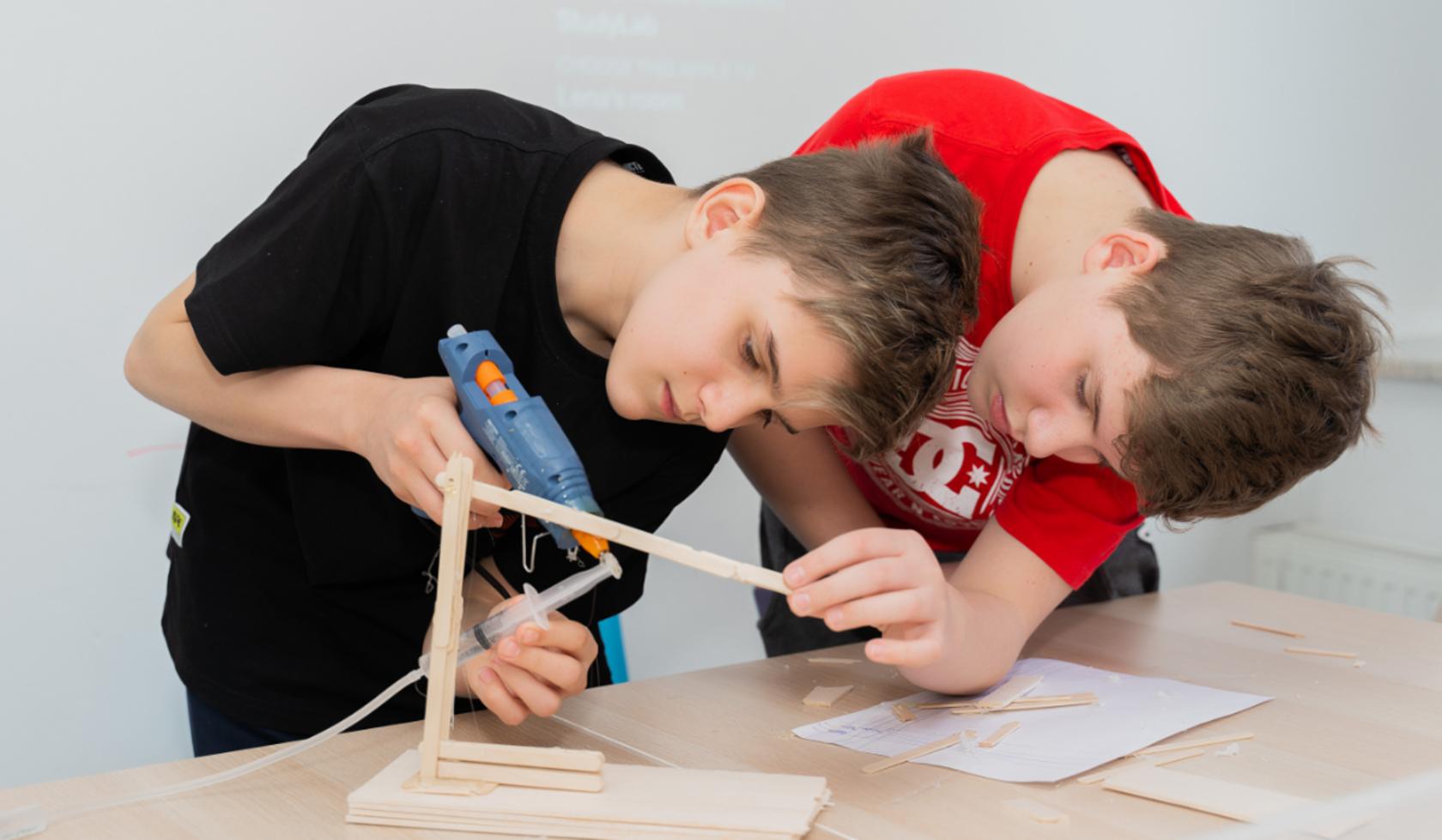 Английский & STEM (9-12 лет)