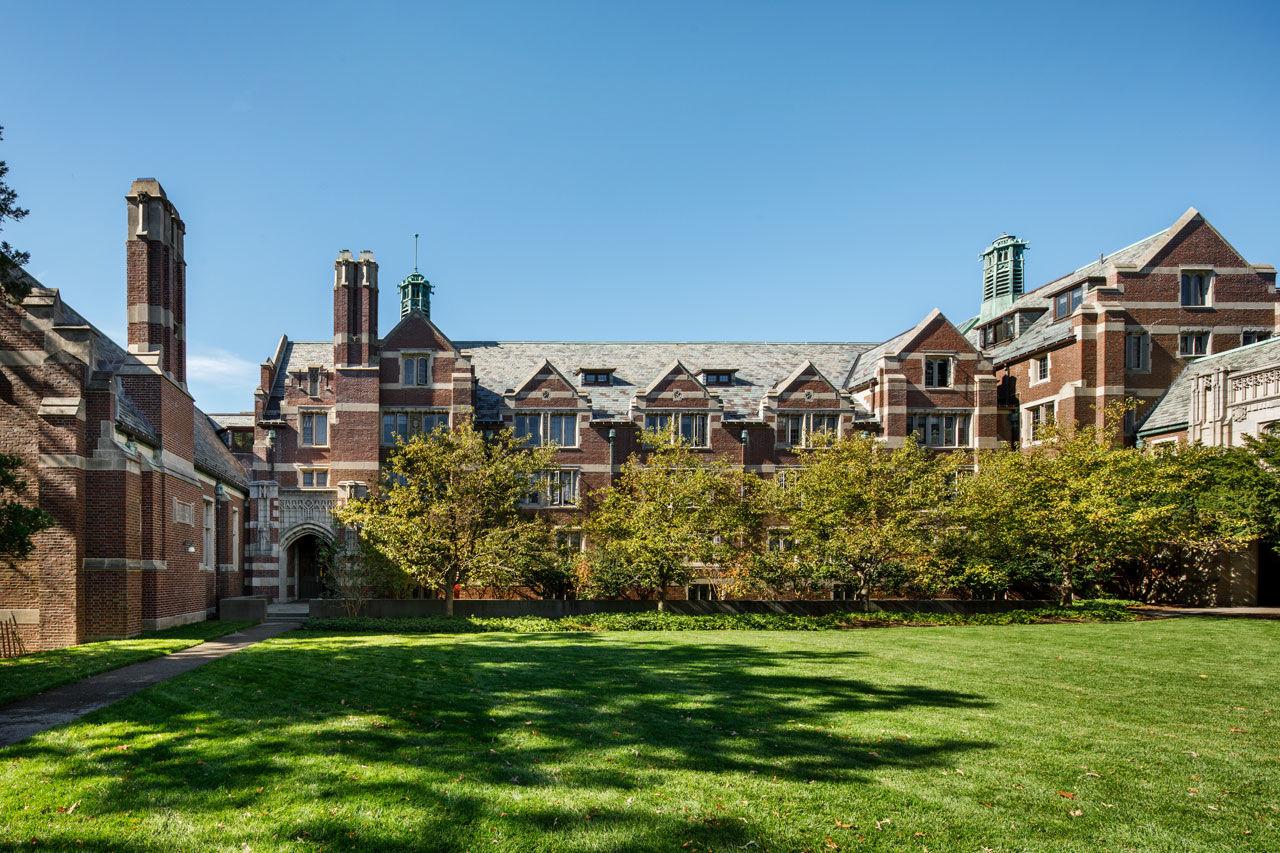 Wellesley College: Академические предметы + спорт и творчество