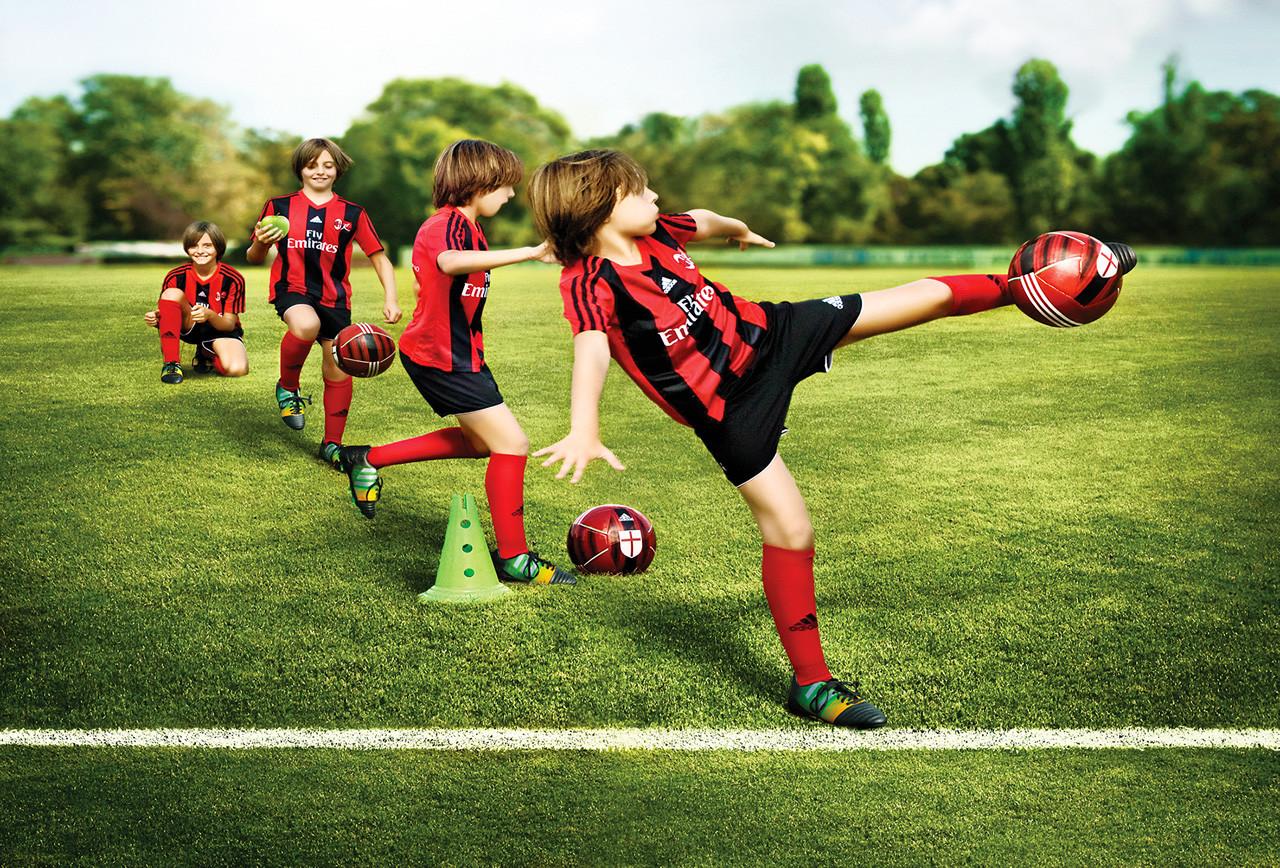 Milan Junior Camp Italy: Летний футбольный лагерь