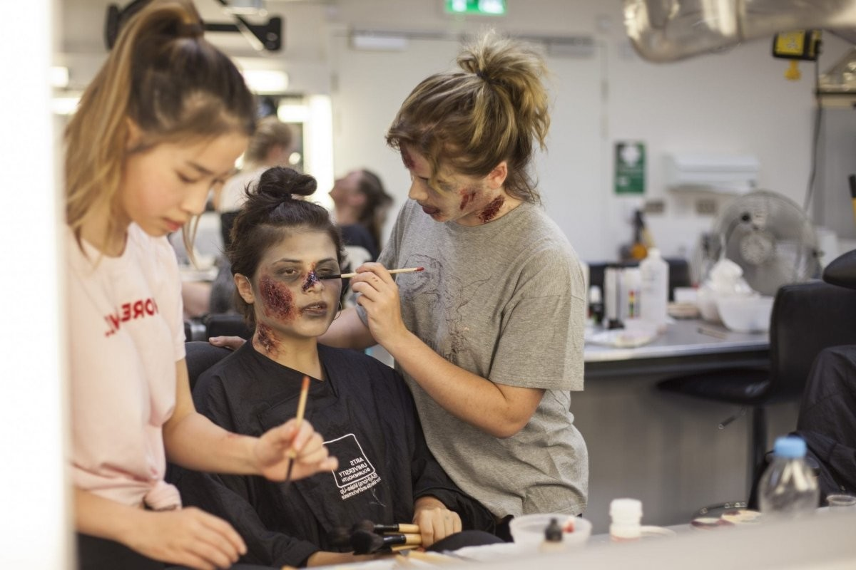 Arts University Bournemouth: Make - Up