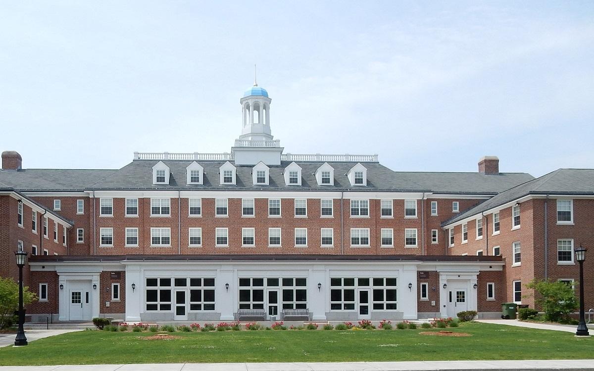 Tufts University: Подготовка к университету