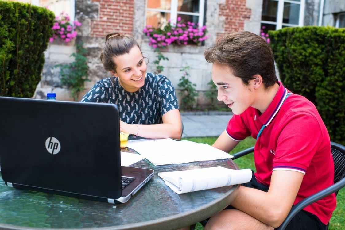 Изучение иностранных языков (с преподавателями Ceran)