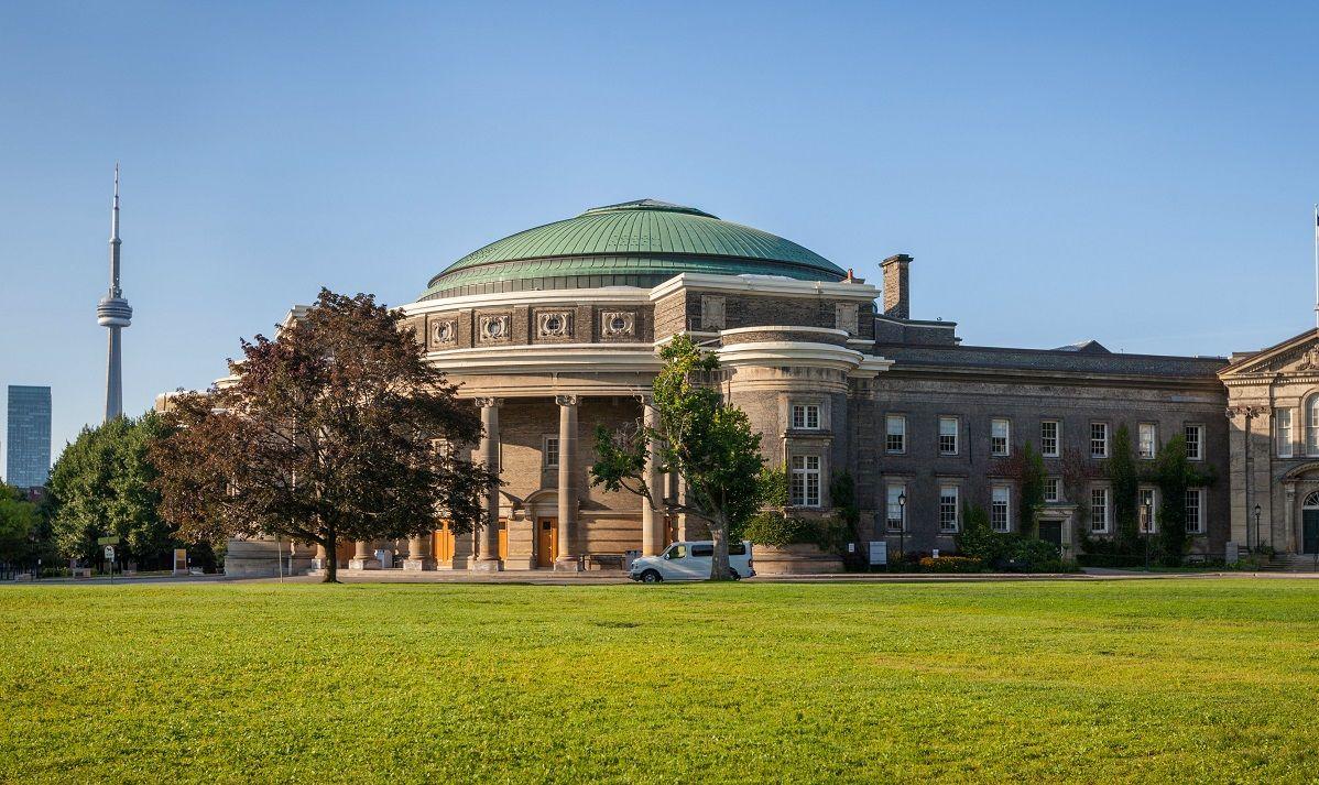 University of Toronto: Подготовка к TOEFL / IELTS
