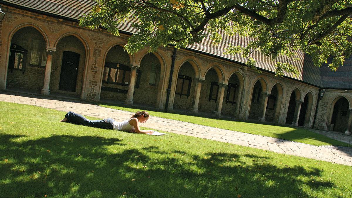 Wycombe Abbey: английский + театр и танцы