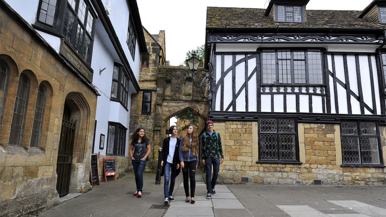 Sherbourne Priors: Английский язык + отдых и экскурсии