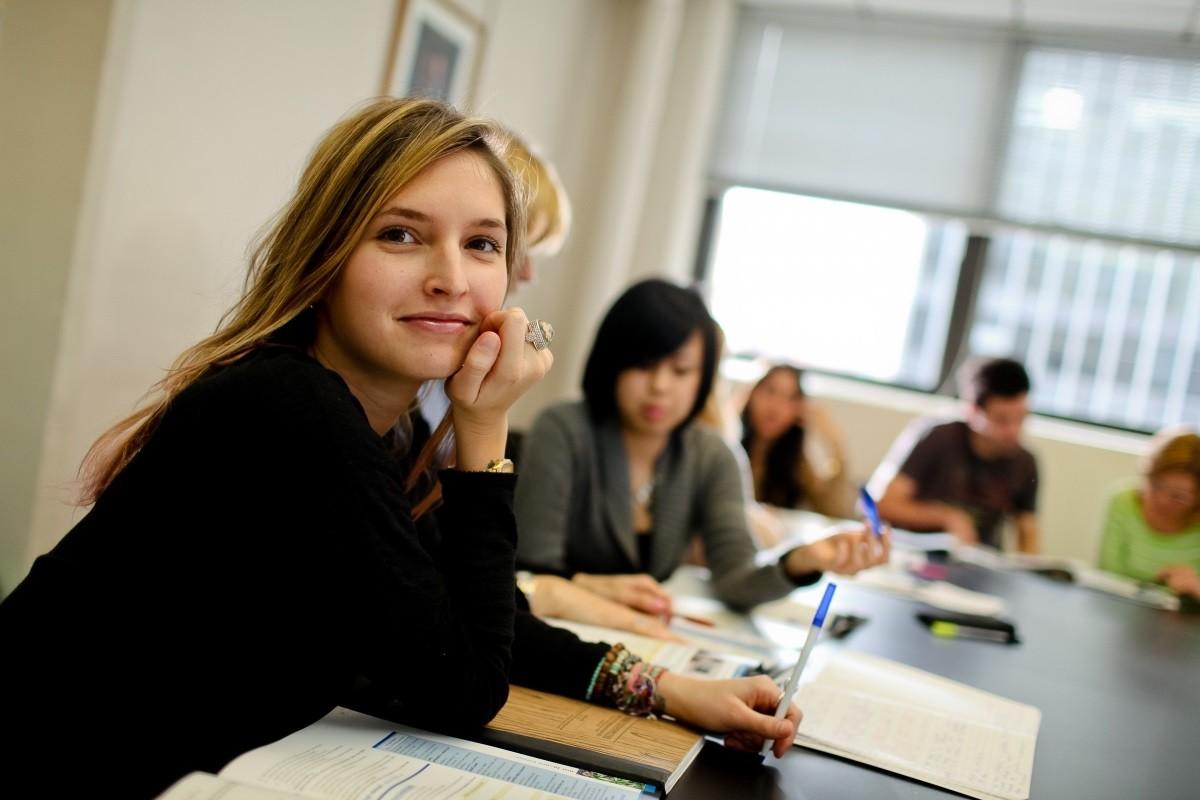 Rennert New York: Интенсивный и стандартный курсы английского, язык и отдых