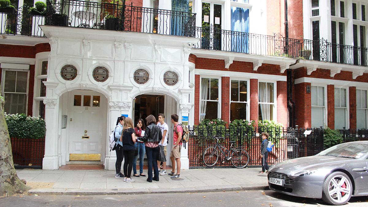 Discovery Summer London: Программа английского языка для детей и родителей на пол дня