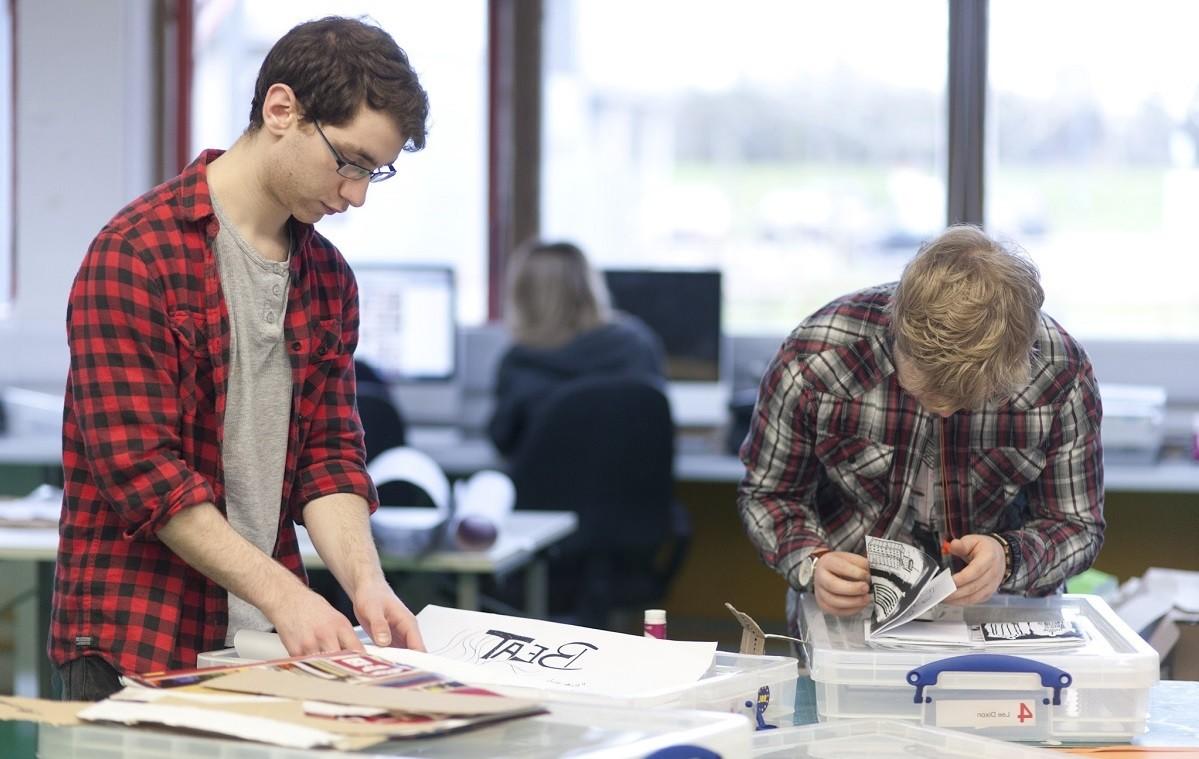 Arts University Bournemouth: Рисование и Иллюстрация