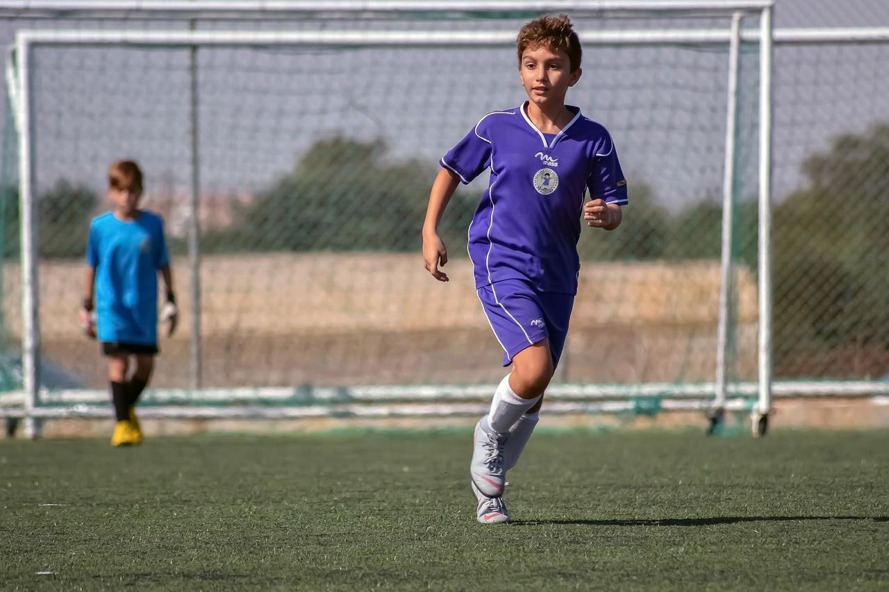 Dicker School: футбол и английский