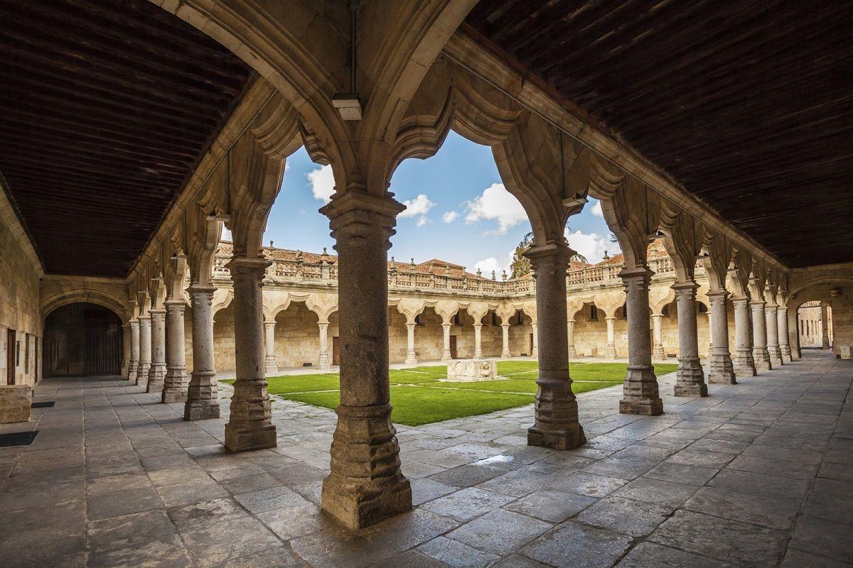Summer Camp in Salamanca: Испанский / английский язык и отдых