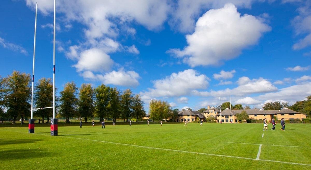 Oundle school: Английский + футбол