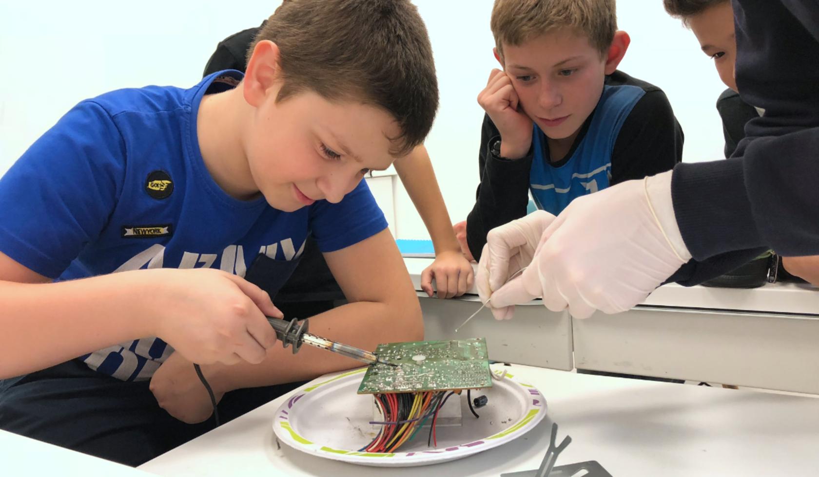 Робототехника на английском (12-15 лет)