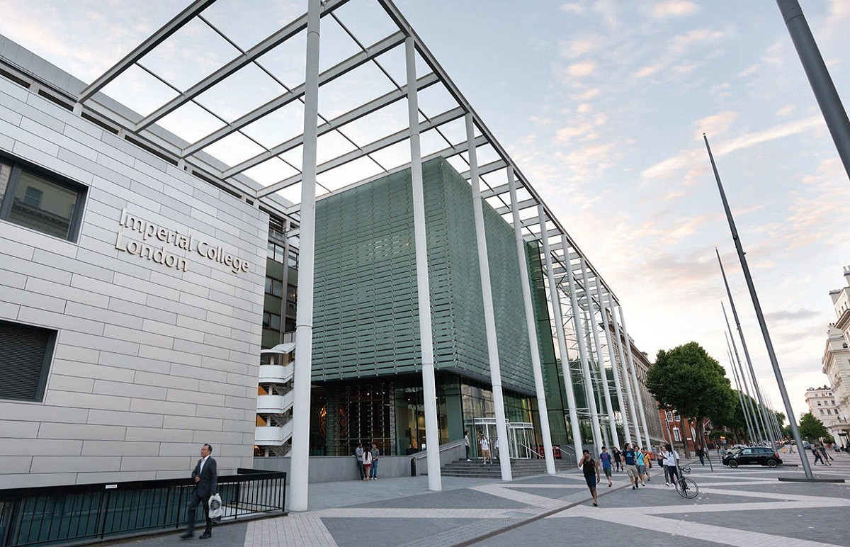 Imperial College: Введение в инженерию и медицину