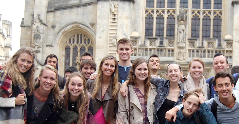 St. Clare's College: комбинированный курс