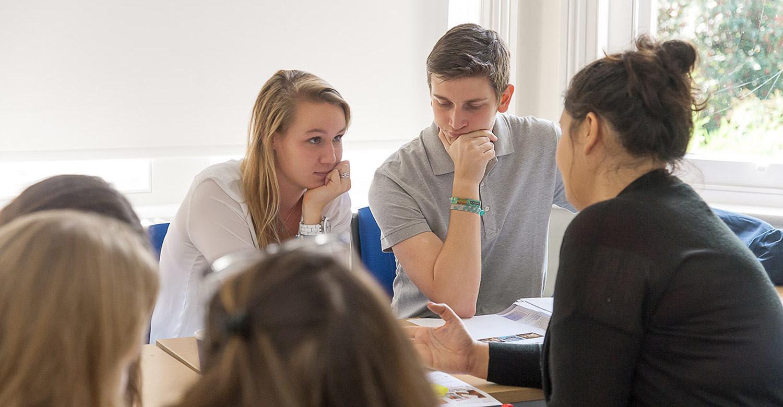 """St. Clare's College: курс на получение квалификации EFL """"Английский для экзаменов"""""""