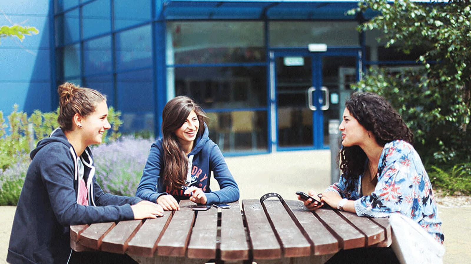 Swindon Intensive School: Интенсивный курс английского языка