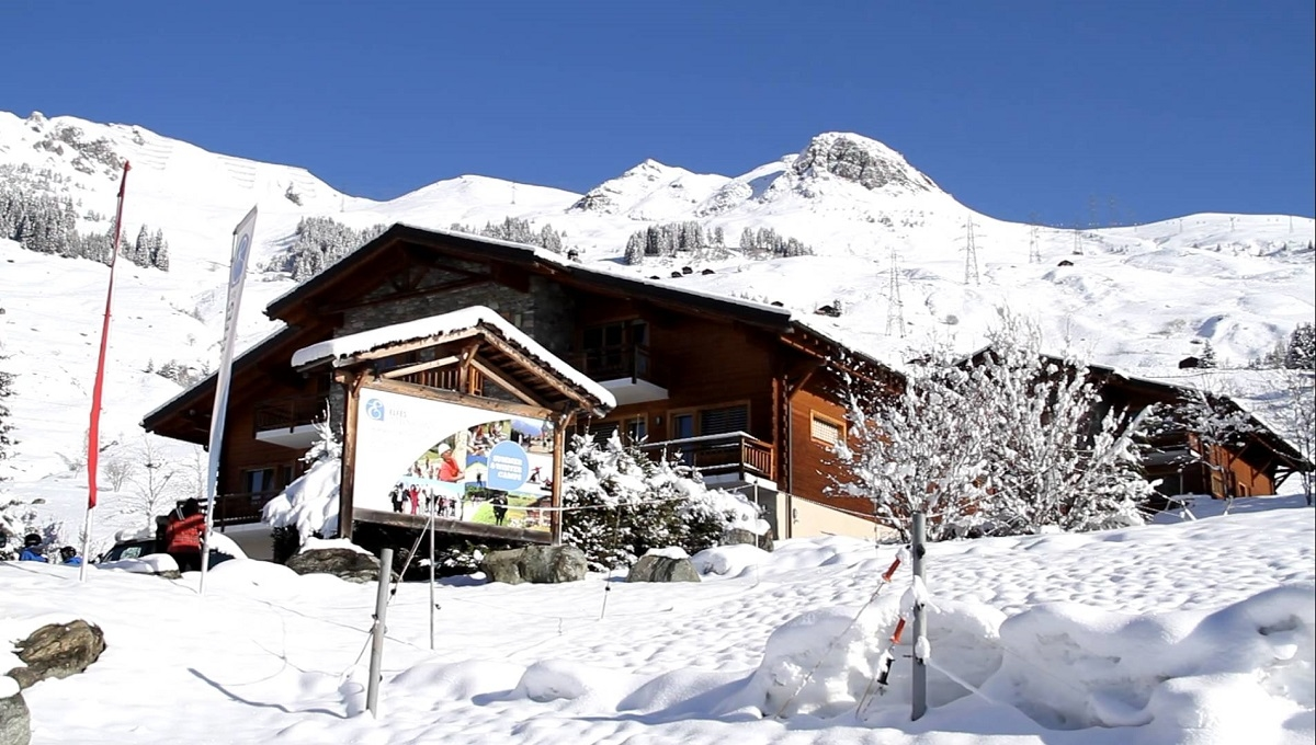 Les Elfes Camp: английский / французский / немецкий, лыжи или сноуборд