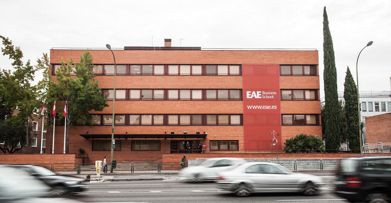 Из журналистики в бизнес: магистр международного бизнеса об учебе в Испании