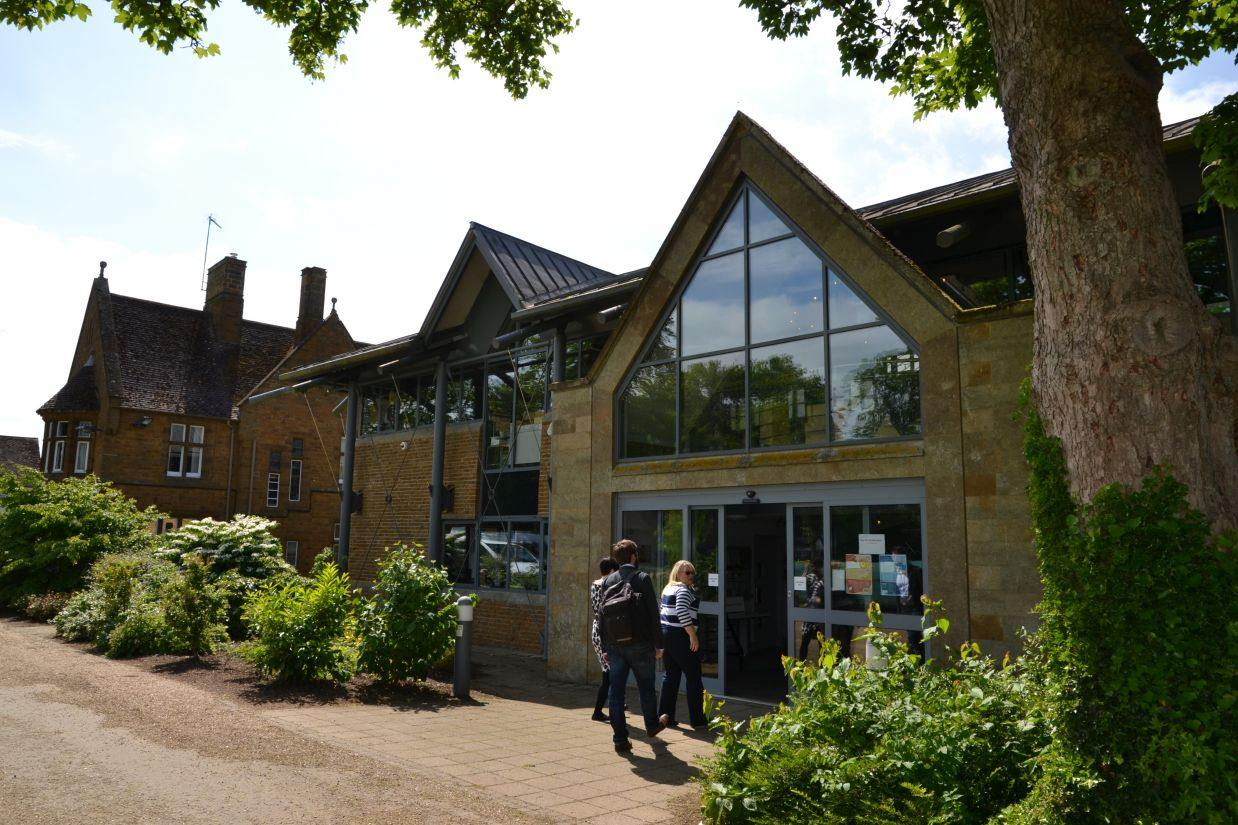 Bloxham School: Английский восторг