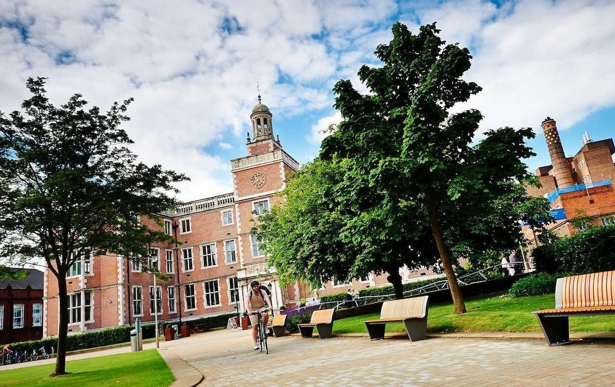 Newcastle University: неожиданно, трудно, интересно