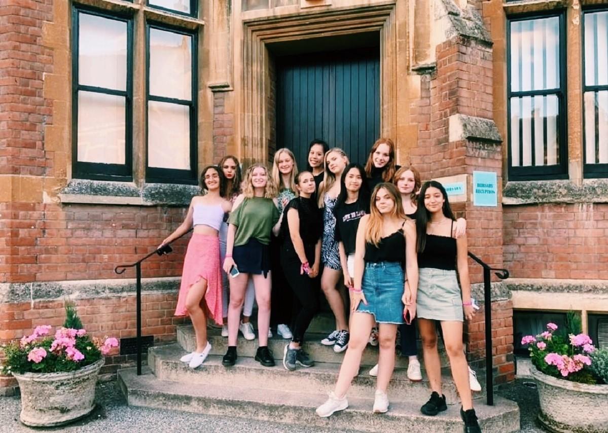 Настя, 16 лет: Каникулы в The Leys School