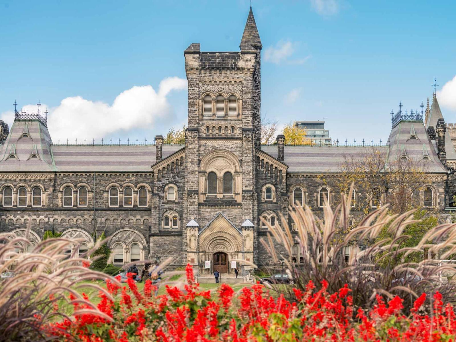 University of Toronto: знакомство с лучшим канадским университетом