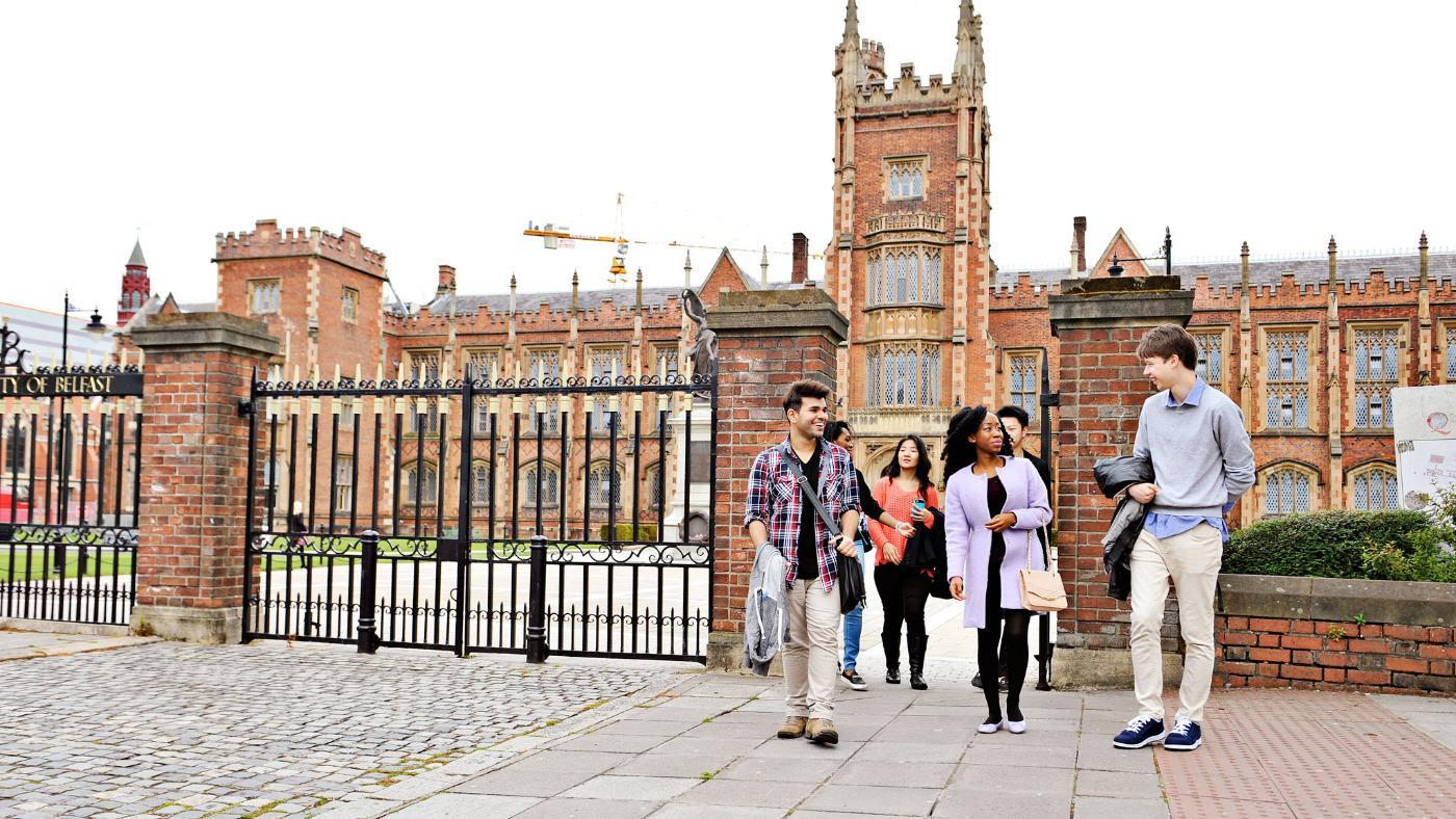 Queen es University belangte Kohlenstoffdatierung